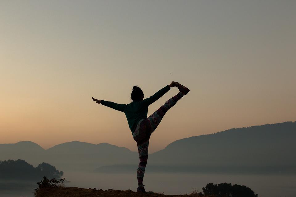 yoga-2383964_960_720.jpg